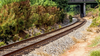 Albania gets EU grant for railway line to port, airport