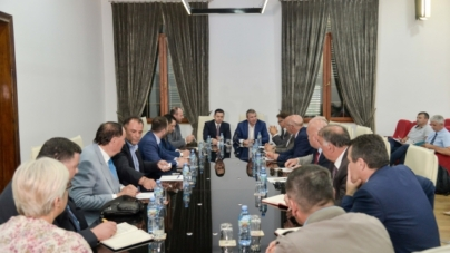 "Ahmetaj and Gjiknuri meeting with  businesses in Kosovo – ""Rruga e Kombit"""