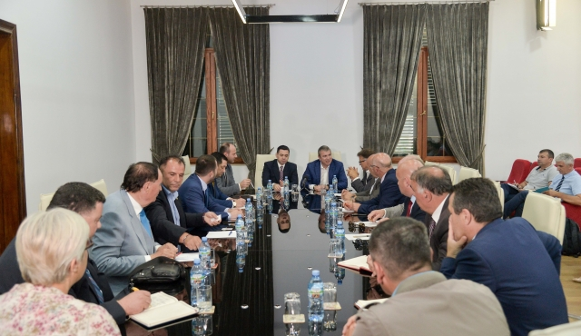 "Ahmetaj and Gjiknuri meeting with  businesses in Kosovo – ""Rruga e Kombit"""