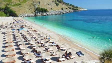 The number of new employees reached 18,890 in tourist areas, for the period June – July 2018