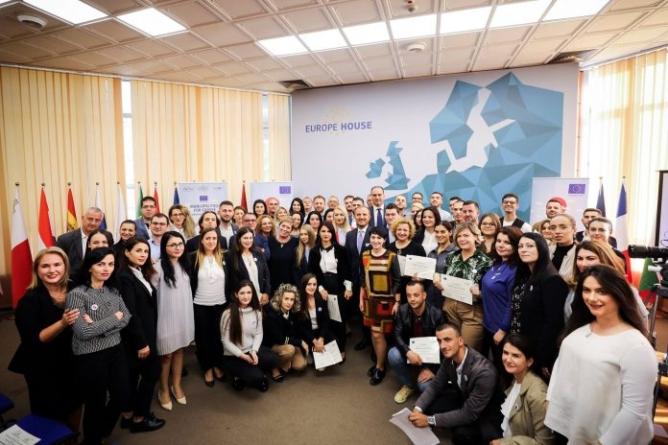 Local government, the EU pledges more funding
