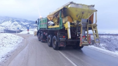 Road situation, ARA: Axis where it is circulated with chains